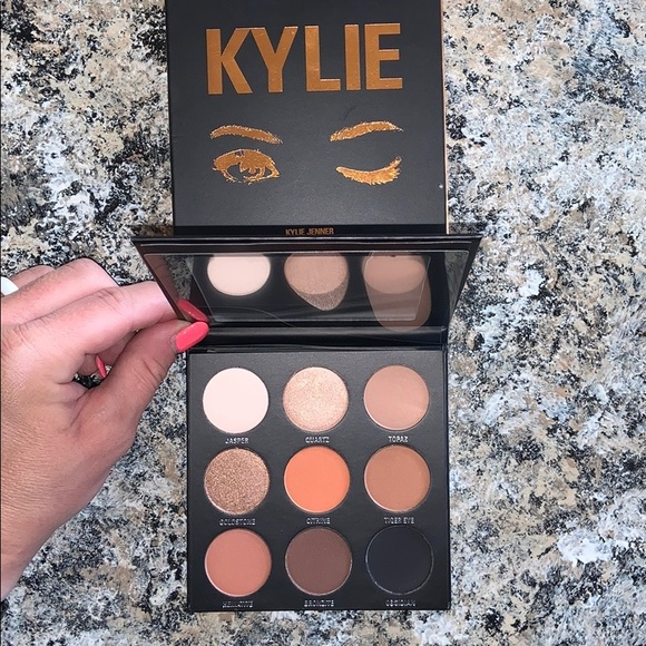 Kylie Cosmetics Other - KYLIE COSMETICS The Bronze Palette Kyshadow